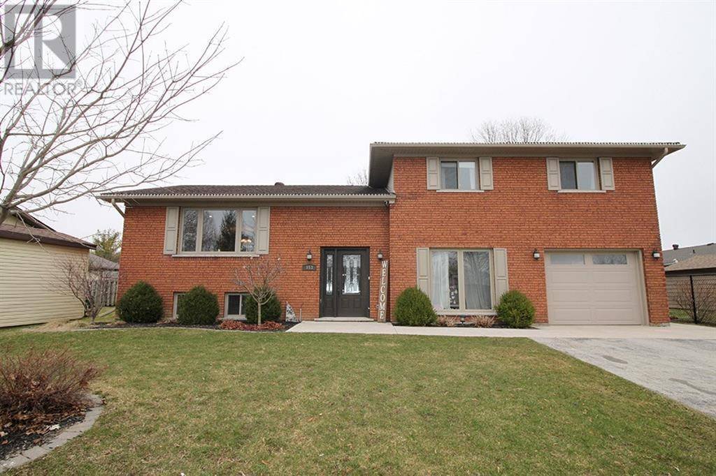 House for sale at 153 13th Avenue A  Unit . Hanover Ontario - MLS: 30801619