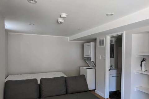 Townhouse for rent at 19 Bowmore Rd Unit -Lower Toronto Ontario - MLS: E4768091
