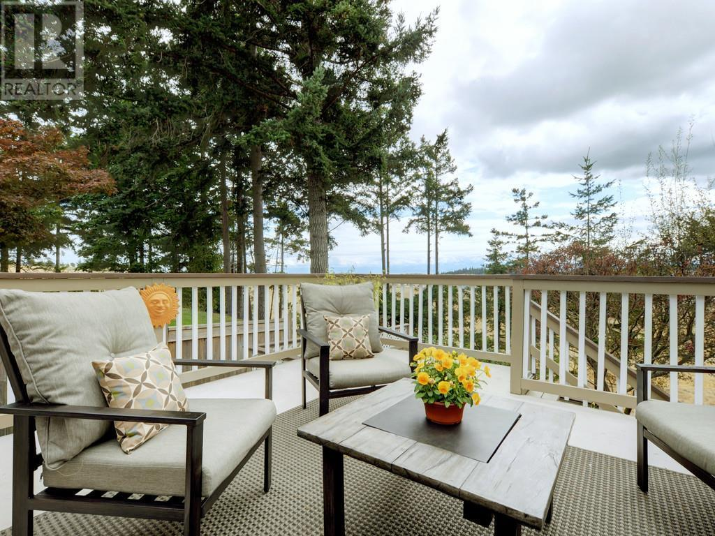 For Sale: 0 365c Cotlow Rd , Victoria, BC | 4 Bed, 3 Bath House for $725,000. See 20 photos!
