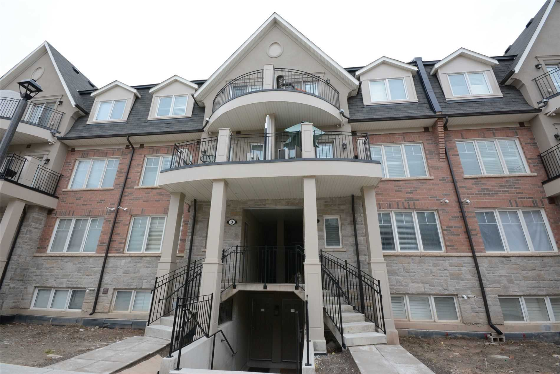 For Rent: 04 03 - 2420 Baronwood Drive, Oakville, ON | 2 Bed, 3 Bath Townhouse for $2450.00. See 22 photos!