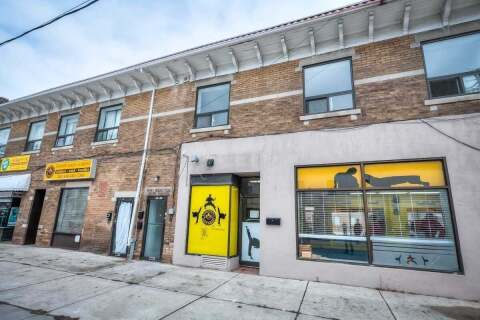 Townhouse for rent at 1 Caithness Ave Unit 1 Toronto Ontario - MLS: E4752192
