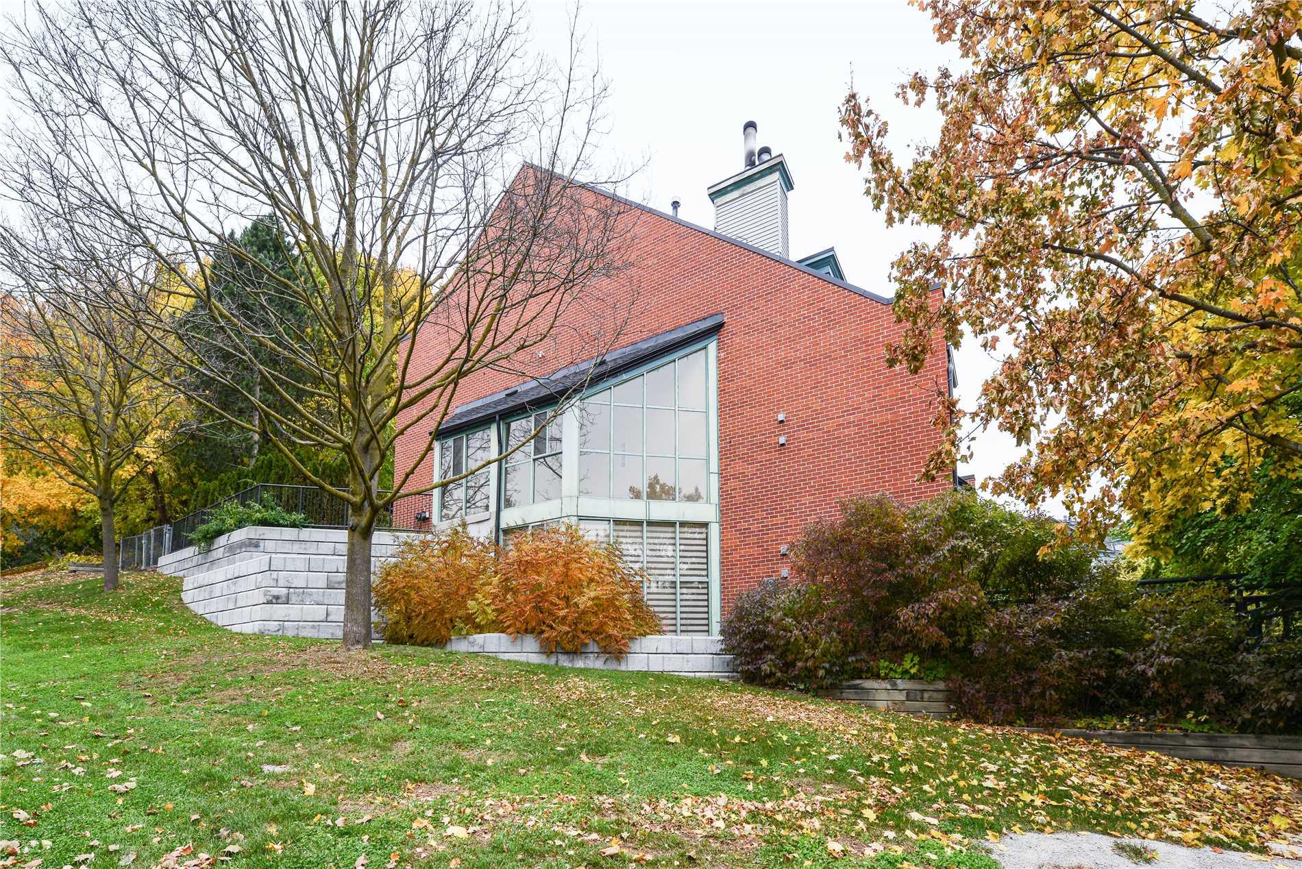 House for sale at 100 Arbors Lane Vaughan Ontario - MLS: N4328464