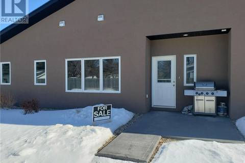 Townhouse for sale at 100 Pearson St Unit 1 Strasbourg Saskatchewan - MLS: SK763240