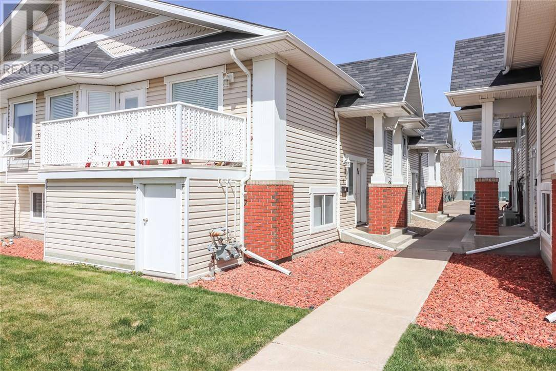 House for sale at 110 Broadway Ave W Unit 1 Redcliff Alberta - MLS: mh0192740