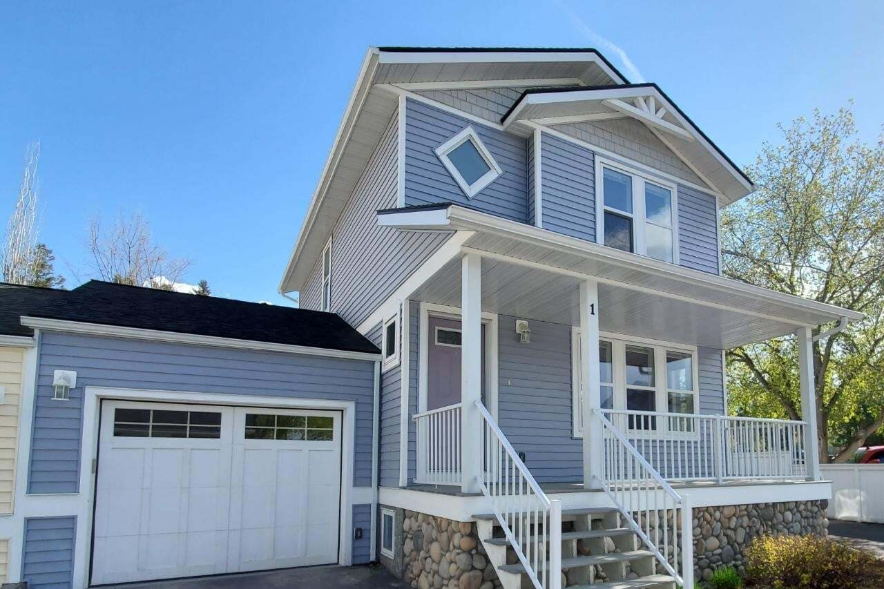 Townhouse for sale at 137 11th Avenue  Unit 1 Invermere British Columbia - MLS: 2452010