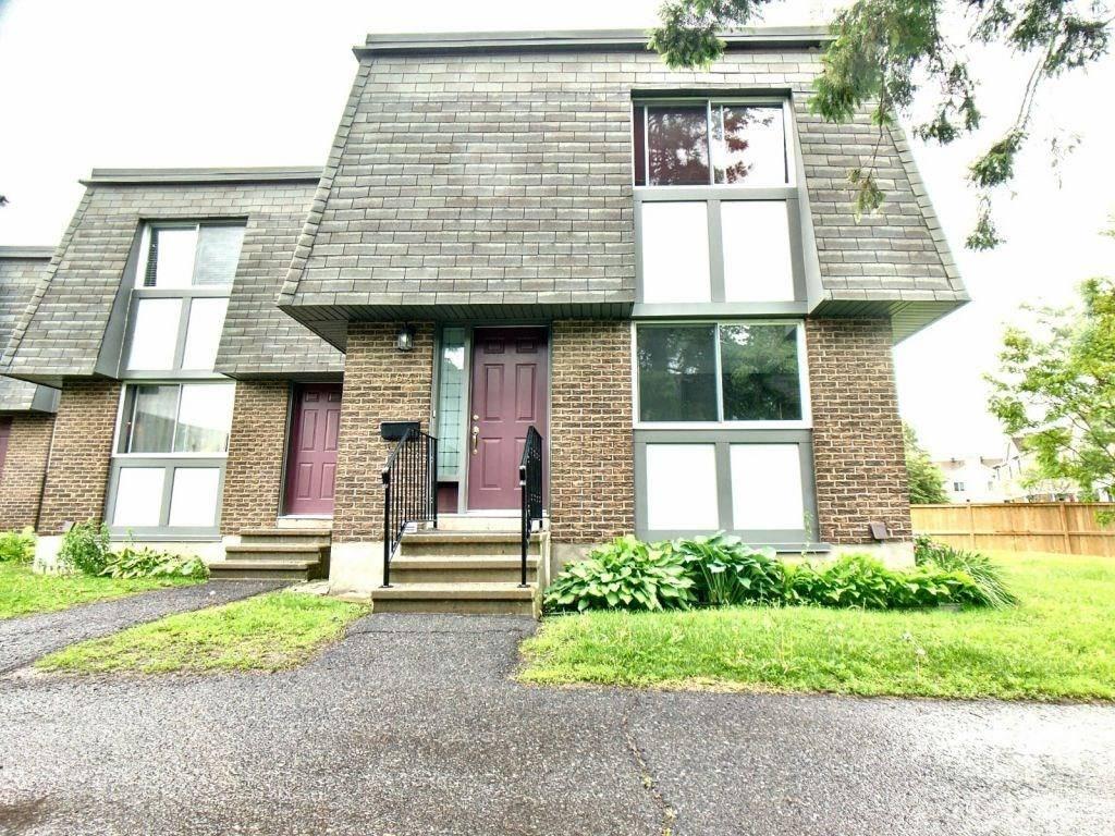 Townhouse for sale at 1641 Heatherington Rd Unit 1 Ottawa Ontario - MLS: 1158807