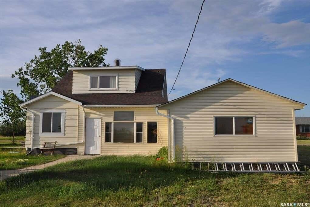 House for sale at 1 1st Ave Parry Saskatchewan - MLS: SK815548