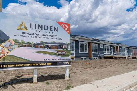 Townhouse for sale at 235 Brighton Blvd Unit 1 Saskatoon Saskatchewan - MLS: SK813365