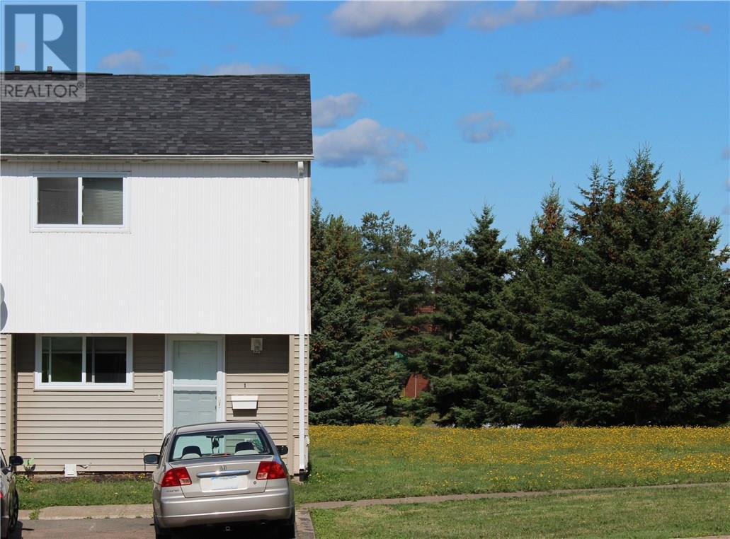 Buliding: 24 Suffolk Street, Riverview, NB