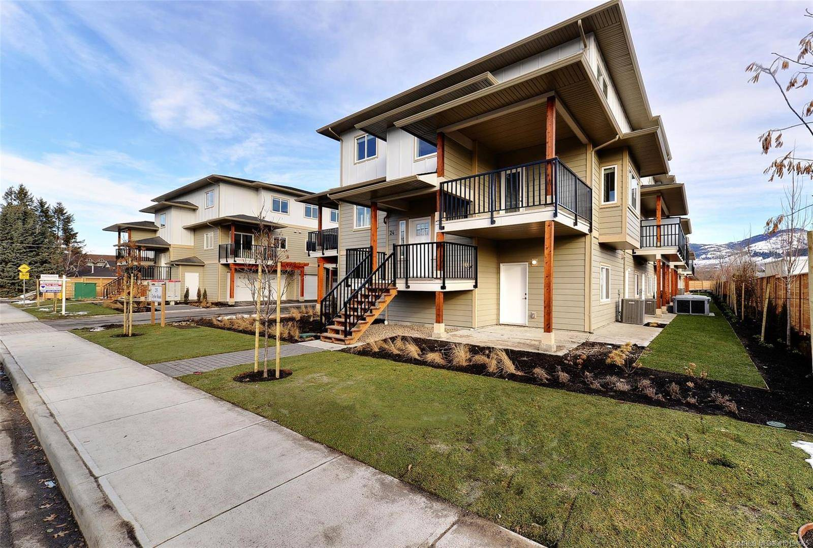 Townhouse for sale at 255 Taylor Rd Unit 1 Kelowna British Columbia - MLS: 10198065