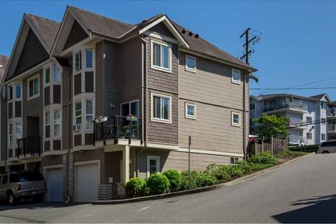 Townhouse for sale at 33321 George Ferguson Wy Unit 1 Abbotsford British Columbia - MLS: R2374129