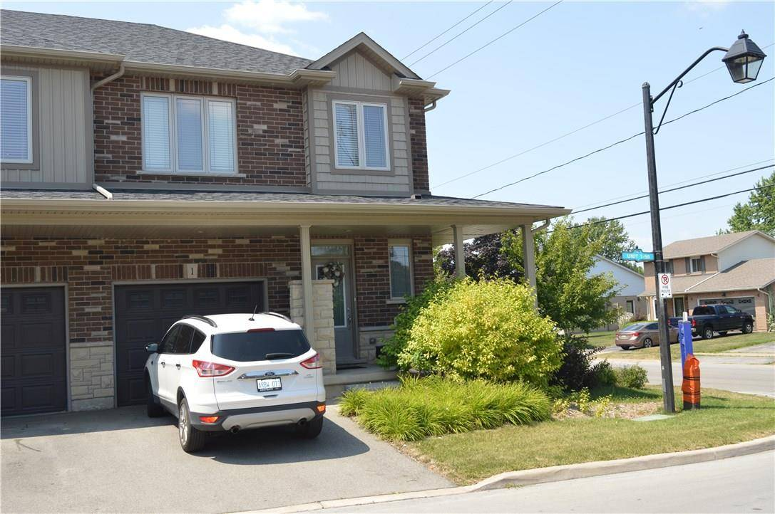 Townhouse for sale at 380 Lake St Unit 1 Grimsby Ontario - MLS: H4060066