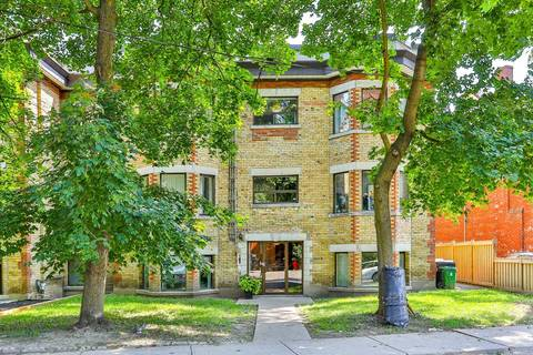 Townhouse for rent at 425 Crawford St Unit 1 Toronto Ontario - MLS: C4564471