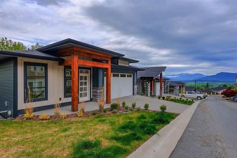 House for sale at 5248 Goldspring Pl Unit 1 Sardis British Columbia - MLS: R2453076