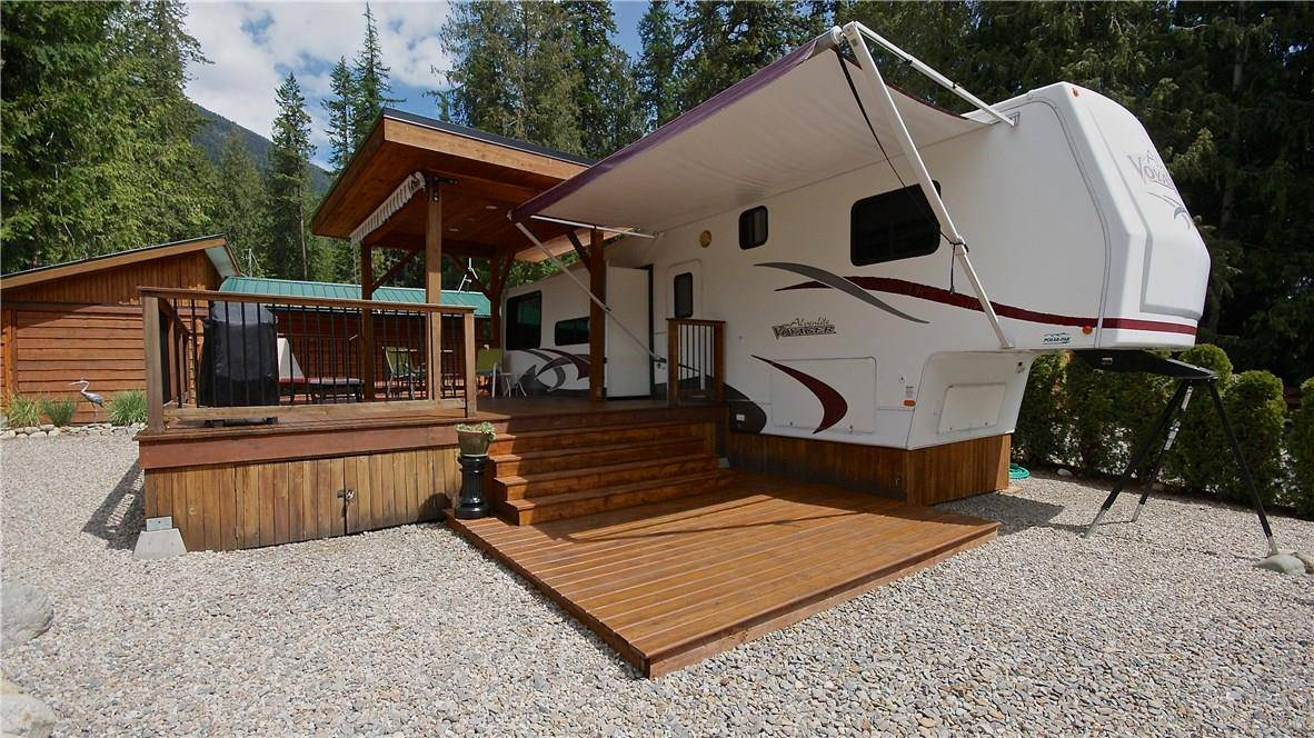 House for sale at 7298 Highway 3a Hy Unit 1 Kokanee Creek To Balfour British Columbia - MLS: 2437944