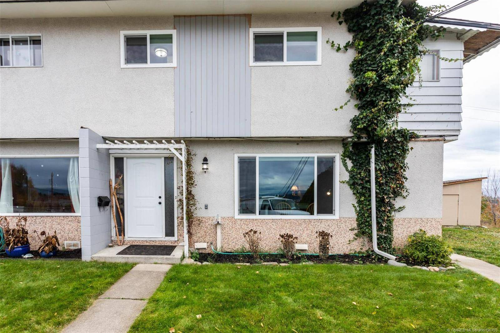 Townhouse for sale at 745 Mckenzie Rd Unit 1 Kelowna British Columbia - MLS: 10196755