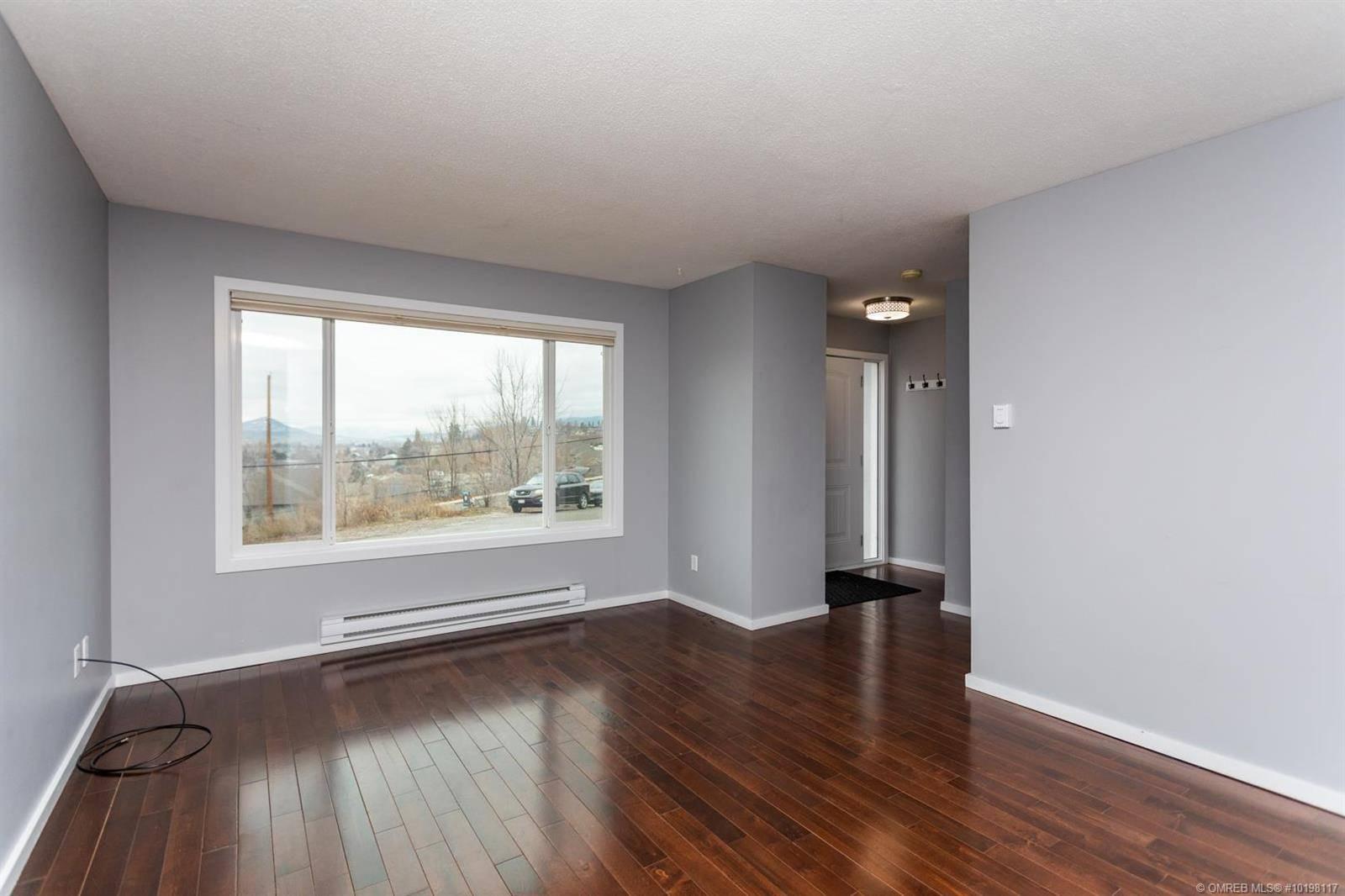 Townhouse for sale at 745 Mckenzie Rd Unit 1 Kelowna British Columbia - MLS: 10198117