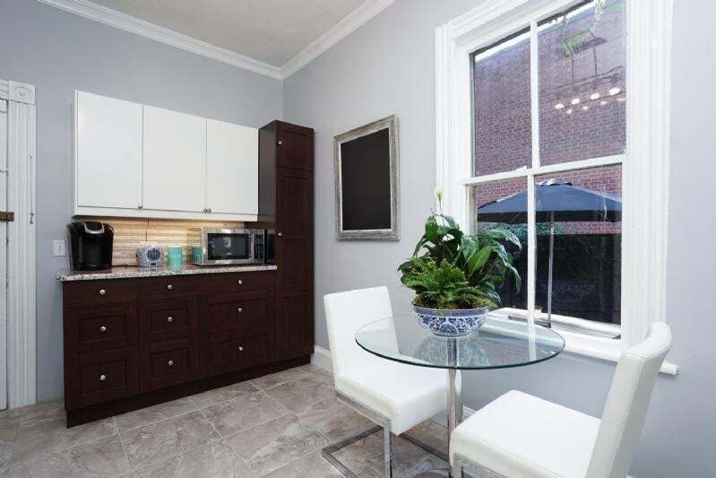 Apartment for rent at 78 Augusta St Unit 1 Hamilton Ontario - MLS: H4091396