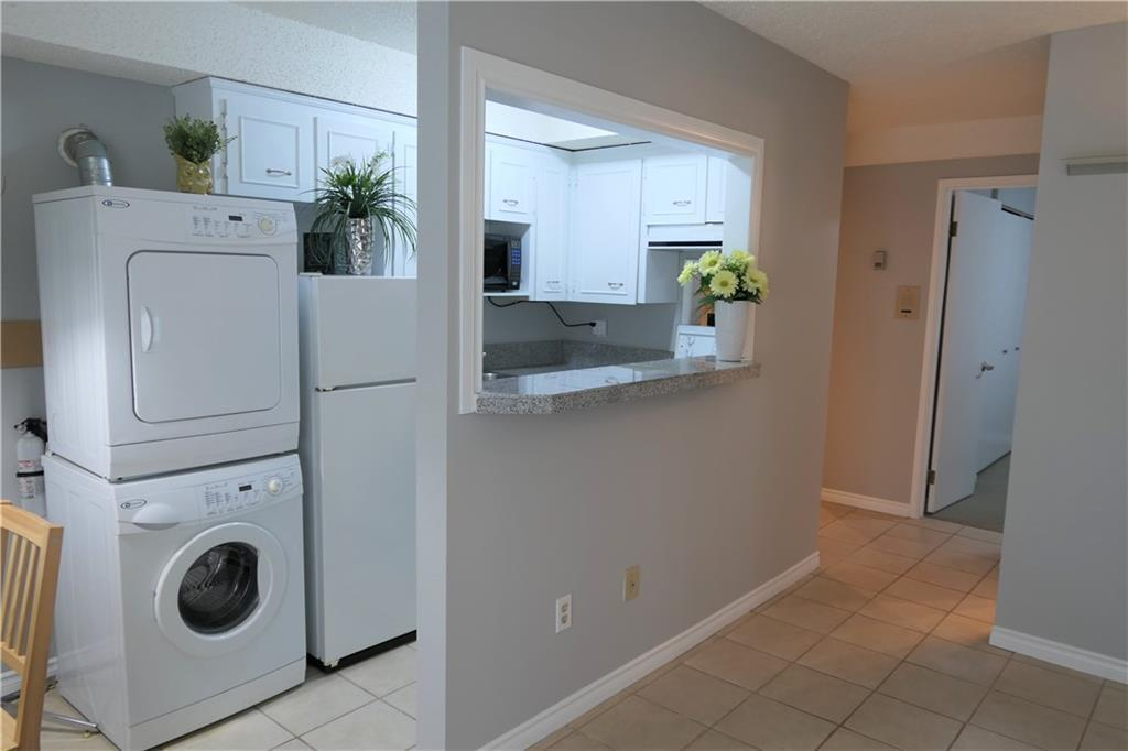 For Sale: 927 19 Avenue Southwest, Calgary, AB | 1 Bed, 1 Bath Condo for $149,888. See 17 photos!