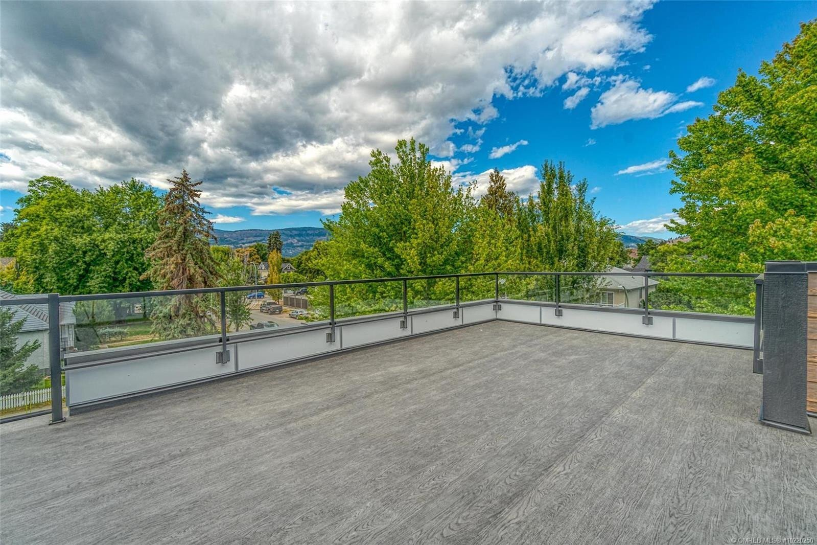 Townhouse for sale at 937 Borden Ave Unit 1 Kelowna British Columbia - MLS: 10220250