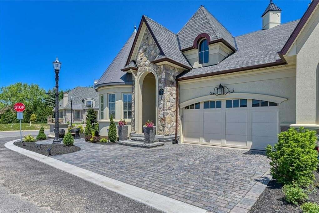 Townhouse for sale at 1 Albion Wy Niagara-on-the-lake Ontario - MLS: 30810820