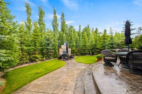 House for sale at 1 Aspen Ridge Wy Southwest Calgary Alberta - MLS: C4255874