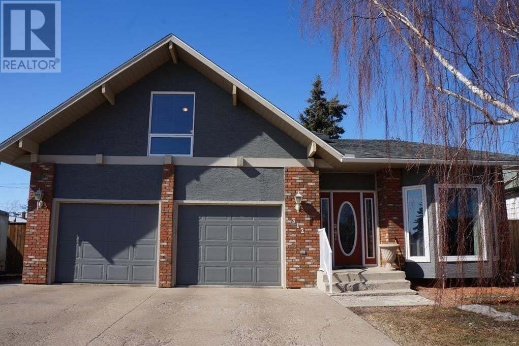 House for sale at 1 Avenue Ave West Hanna Alberta - MLS: A1005059