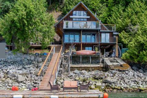 House for sale at 1 Cosy Cove North Vancouver British Columbia - MLS: R2381296
