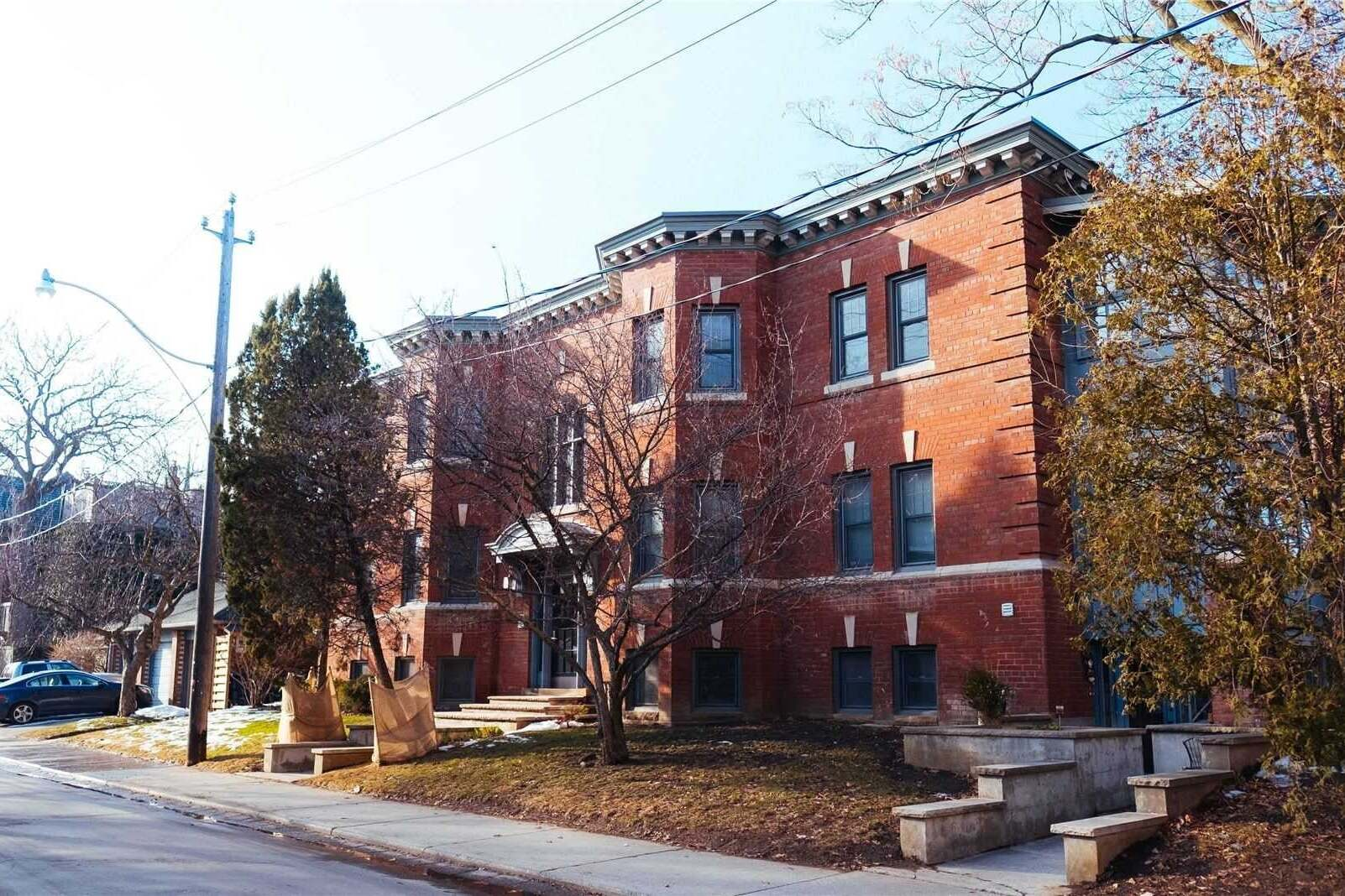 Buliding: 388 Brunswick Avenue, Toronto, ON