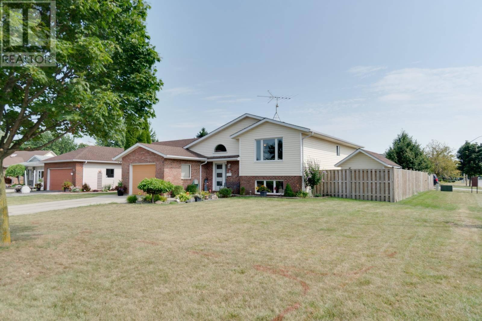 House for sale at 1 Eggleton  Amherstburg Ontario - MLS: 19023517