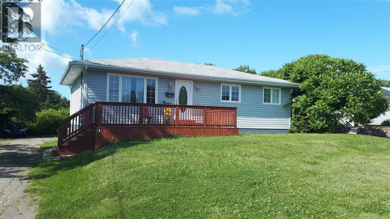 House for sale at 1 Glenwood Ave Glace Bay Nova Scotia - MLS: 202001579