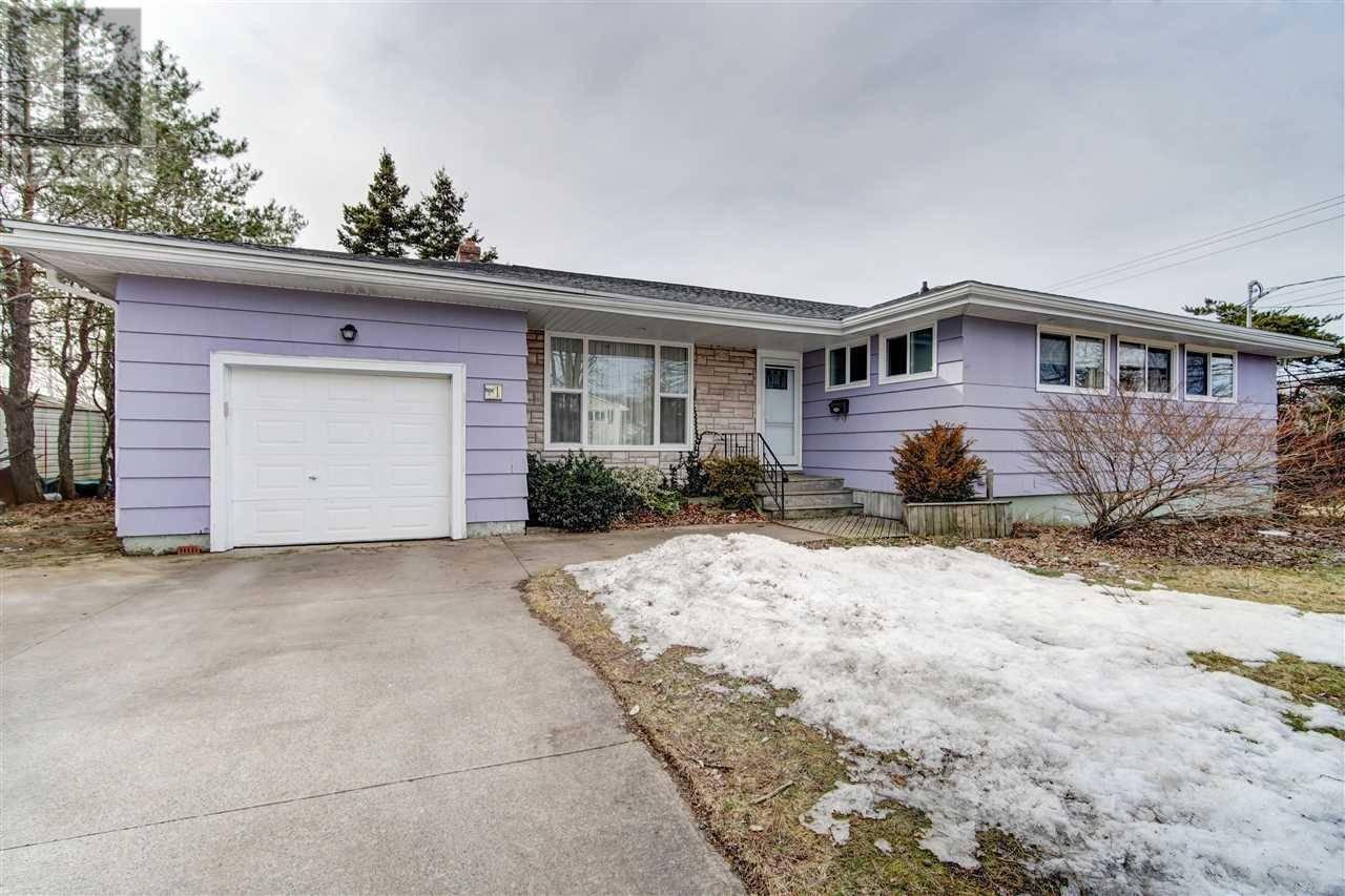 House for sale at 1 Grandview Dr Dartmouth Nova Scotia - MLS: 202004285