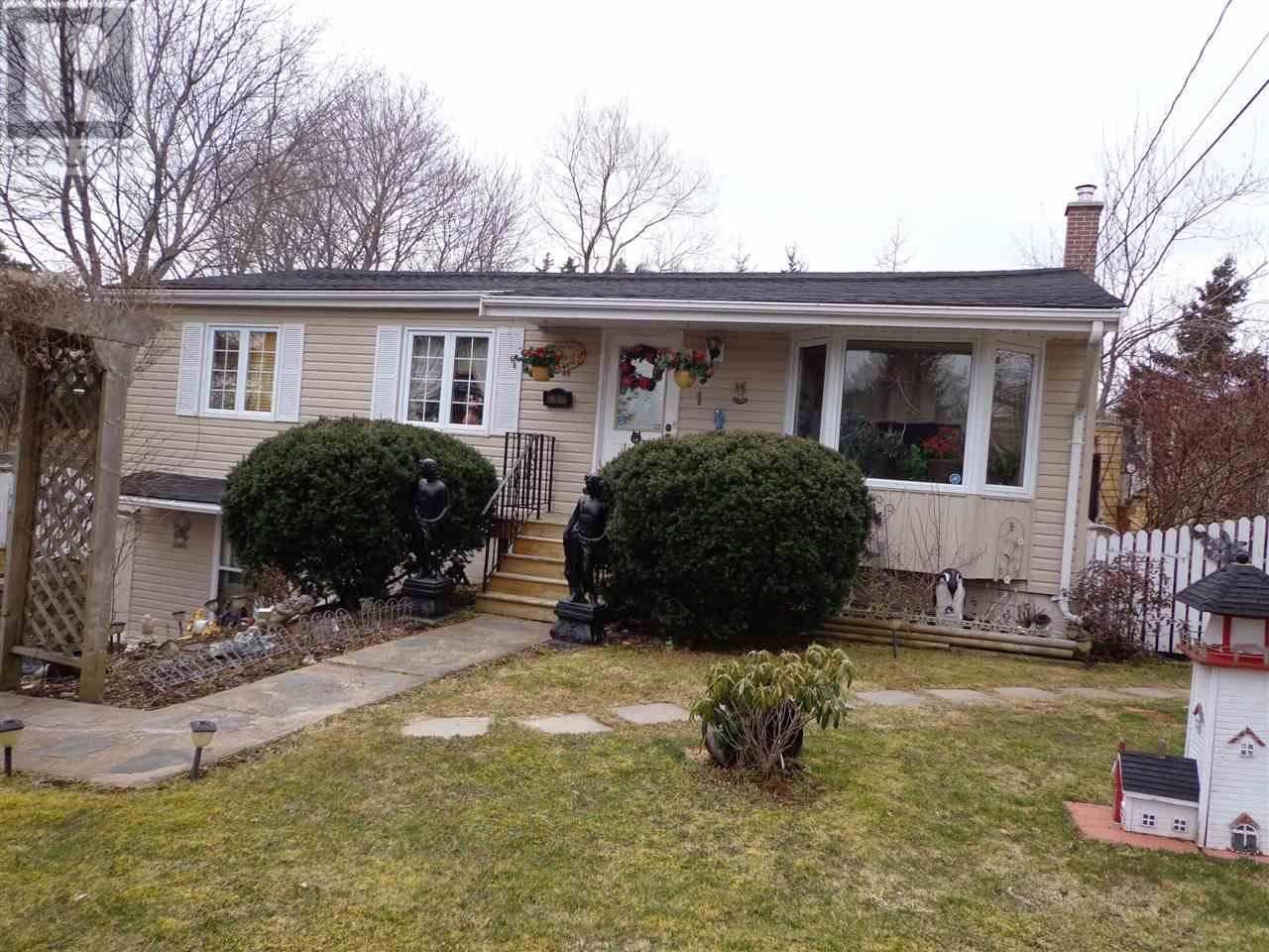 House for sale at 1 Lorne Dr Westphal Nova Scotia - MLS: 202002381