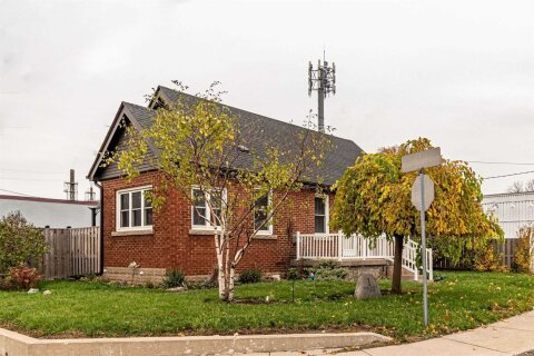 House for sale at 1 Merchison Ave Hamilton Ontario - MLS: X4971907