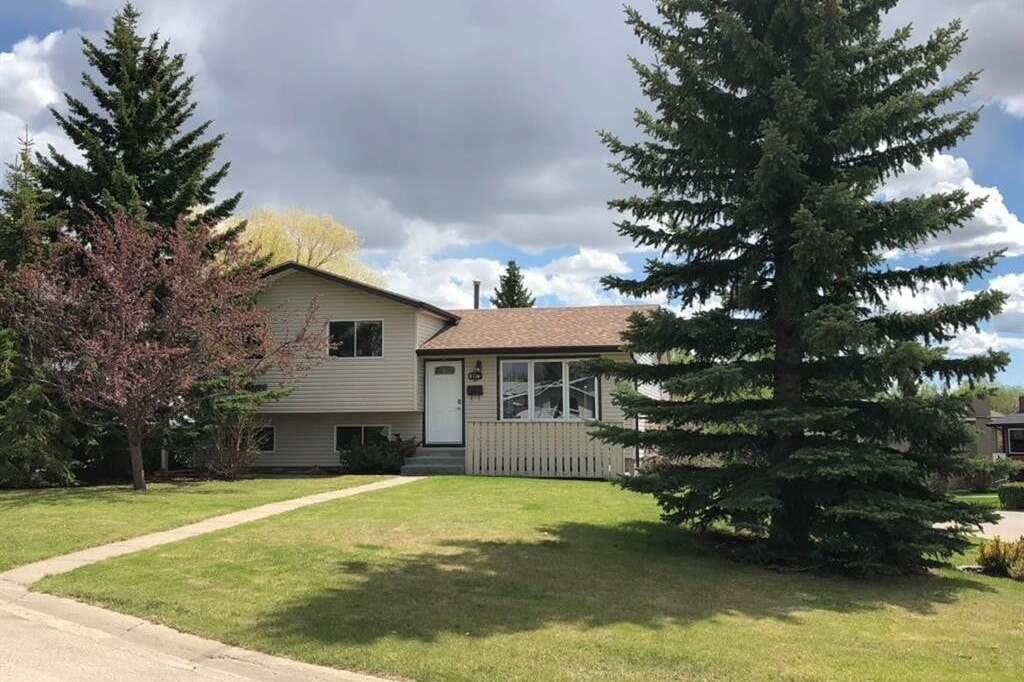 House for sale at 1 Mountain Pl Sylvan Lake Alberta - MLS: CA0192506