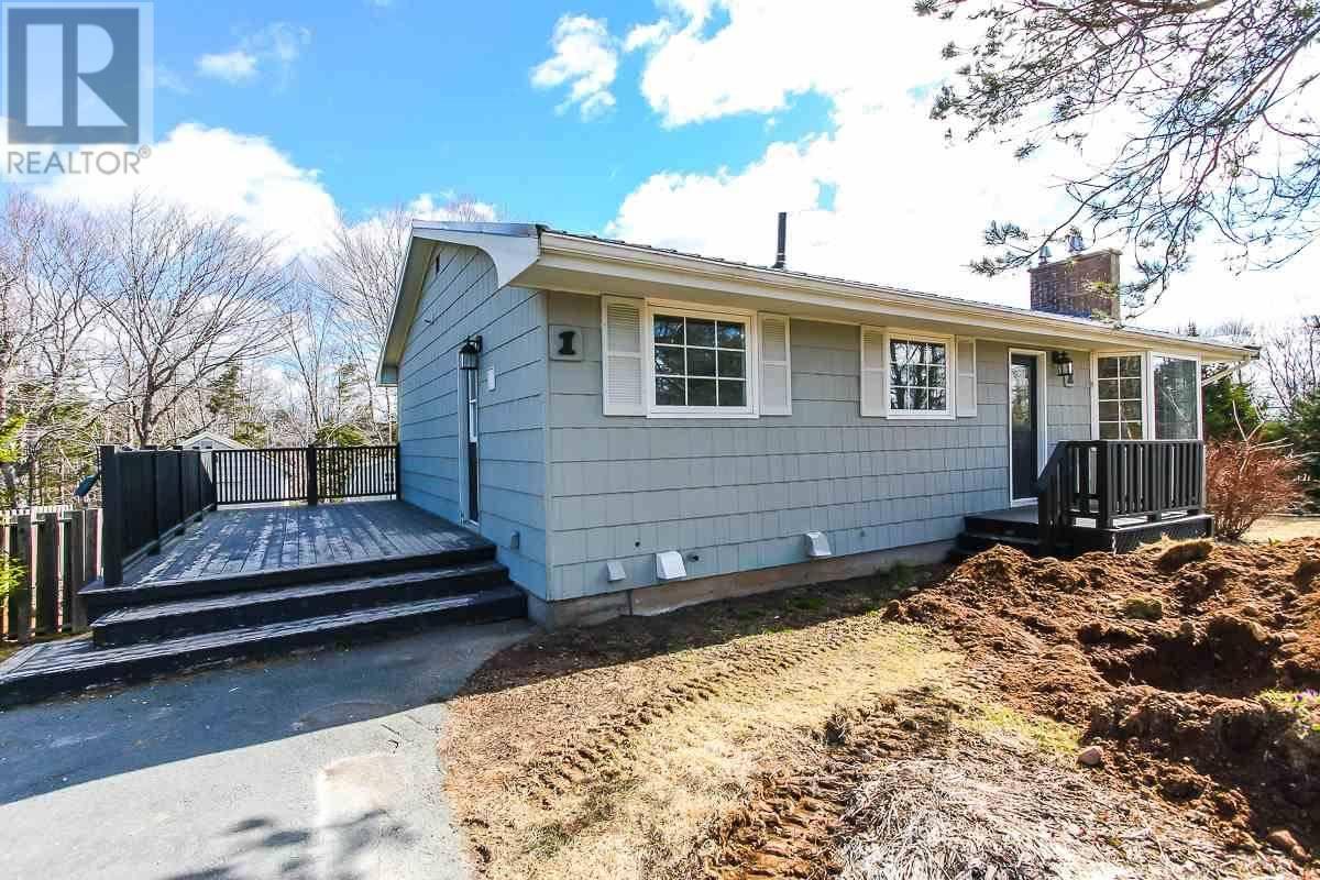 House for sale at 1 Northwood Rd Hammonds Plains Nova Scotia - MLS: 202005395