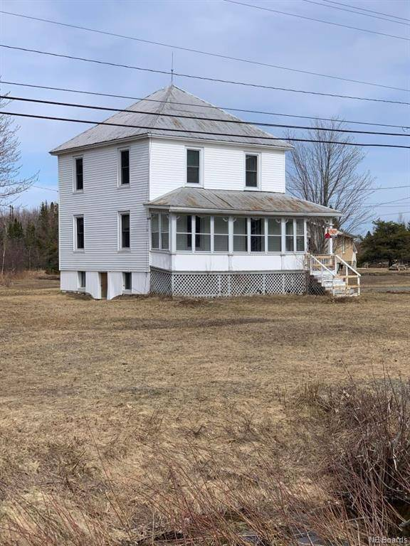 House for sale at 1 Nowlanville Rd Miramichi New Brunswick - MLS: NB041078