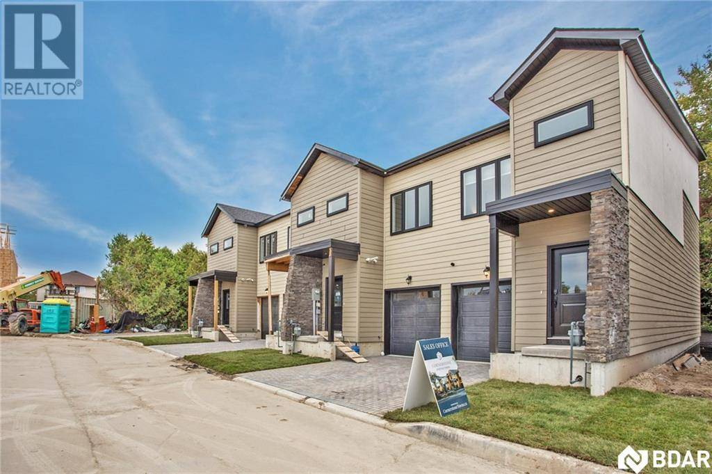 Townhouse for sale at 1 Stonehart Ln Barrie Ontario - MLS: 30780271