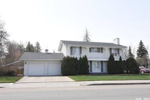 House for sale at 1 Turnbull Pl Regina Saskatchewan - MLS: SK770404