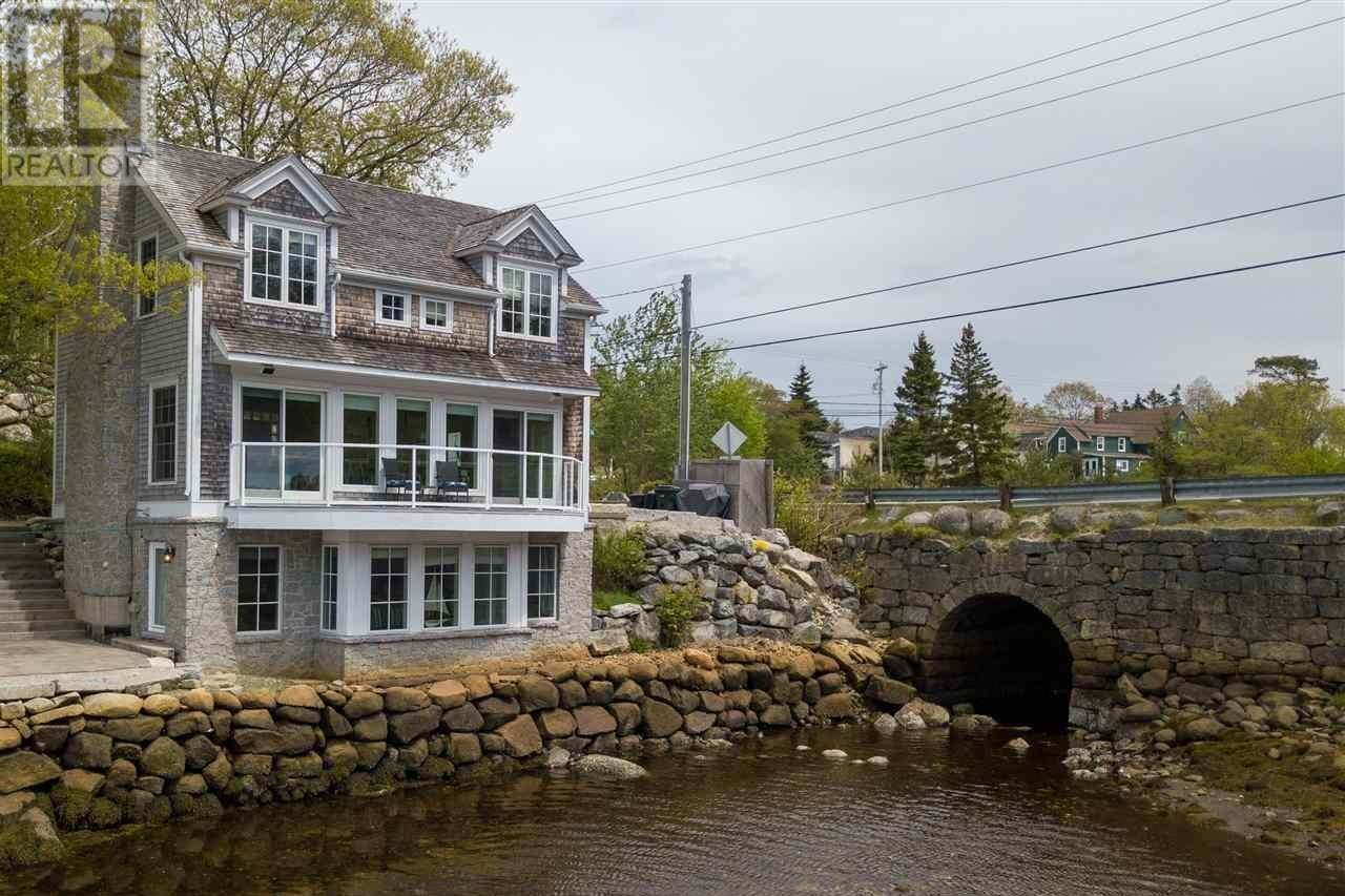 House for sale at 1 Walker Rd Chester Nova Scotia - MLS: 202001531