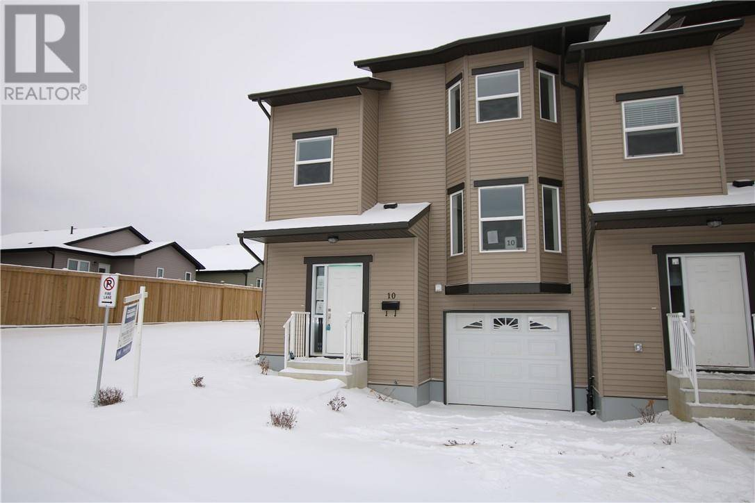 Townhouse for sale at 120 Warren Wy Unit 10 Fort Mcmurray Alberta - MLS: fm0178151