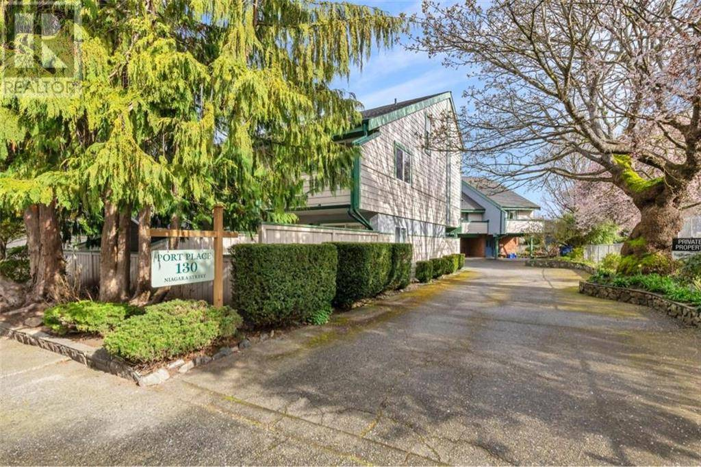 Townhouse for sale at 130 Niagara St Unit 10 Victoria British Columbia - MLS: 423274