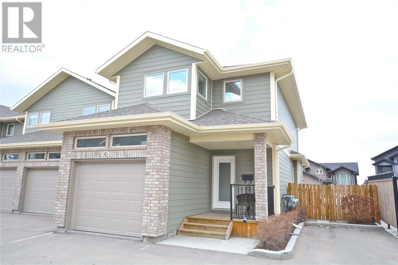 Townhouse for sale at 1550 Paton Cres Unit 10 Saskatoon Saskatchewan - MLS: SK814986