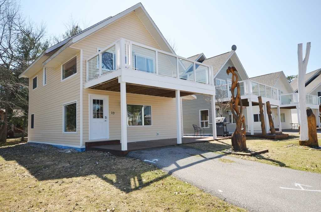 For Sale: 10 - 1959 Peninsula Point Road, Severn, ON | 3 Bed, 2 Bath House for $489000.00. See 18 photos!