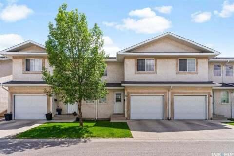Townhouse for sale at 2801 Windsor Park Rd Unit 10 Regina Saskatchewan - MLS: SK813904
