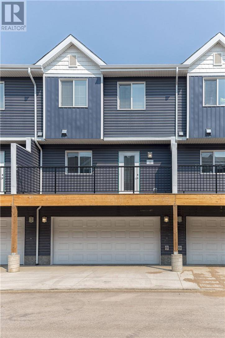Townhouse for sale at 401 Athabasca Ave Unit 10 Fort Mcmurray Alberta - MLS: fm0167916