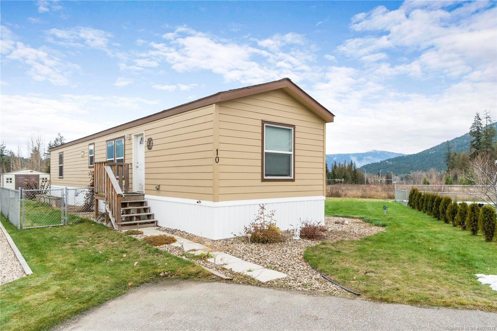 Home for sale at 4811 10a Ave Northeast Unit 10 Salmon Arm British Columbia - MLS: 10220277