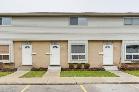 Townhouse for sale at 577 Third St Unit 10 London Ontario - MLS: 40048835