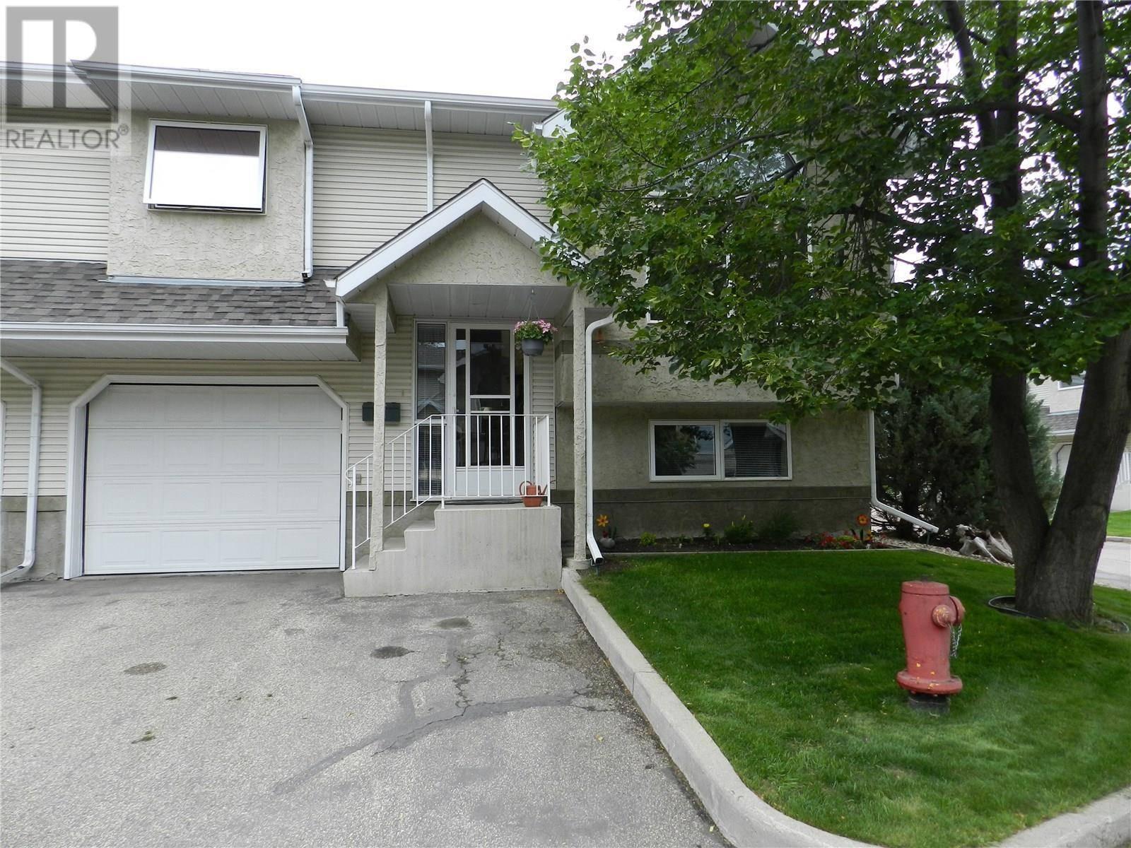 Townhouse for sale at 644 Heritage Ln Unit 10 Saskatoon Saskatchewan - MLS: SK778682