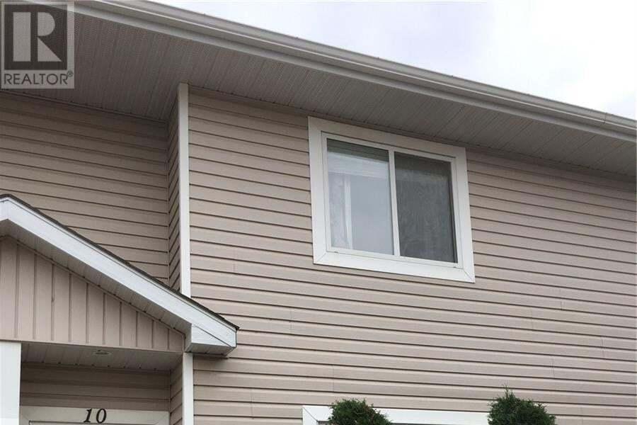 Townhouse for sale at 802 K Ave N Unit 10 Saskatoon Saskatchewan - MLS: SK827423